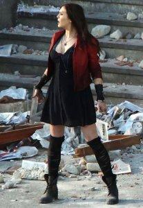 Scarlet_Witch_on_Aou_set